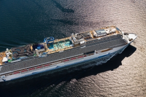 Ncl returns to Rome's Civitavecchia port with the Gateway and the Epic
